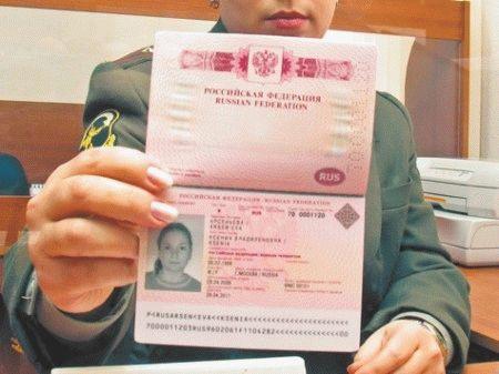 Замена загранпаспорта ребенку до 14 лет и старше: можно ли продлить и как получить новый документ по истечении срока и в других случаях?